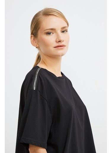 Love My Body Omuzları Şerit Detaylı T-shirt Siyah